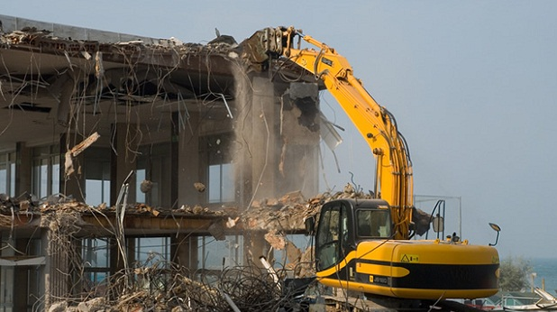 Phá dỡ nhà tại Ngọc Lâm